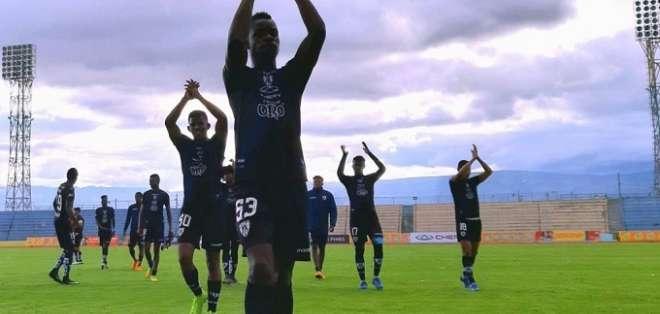 Jugadores de Independiente Juniors luego del partido.