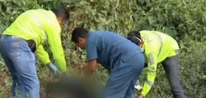 Hallan el cuerpo calcinado de una mujer en Durán. Foto: Captura de video