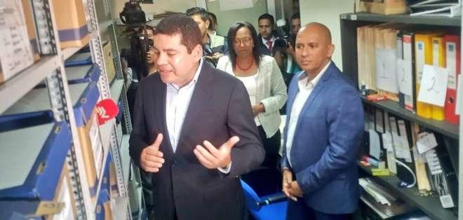 ECUADOR.- Denuncian a Tuárez por presuntamente haber falsificado documentos para su inscripción. Foto: Twitter