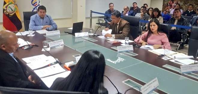 QUITO, Ecuador.- En esta sesión se designaron a tres secretarios de la institución. Foto: CPCCS