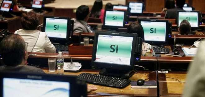 Expediente pide indagar posibles vinculaciones entre familia de Moreno y paraísos fiscales. Foto: API