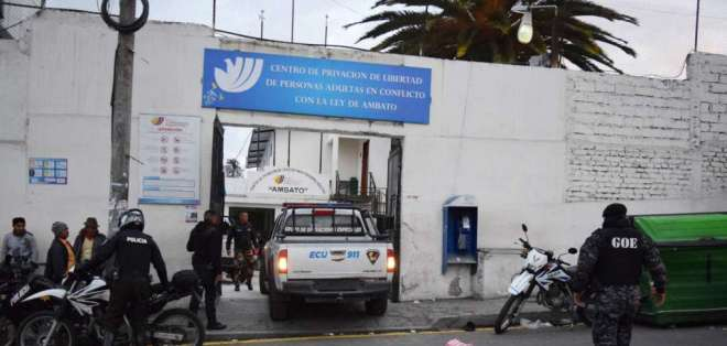 El procesado llegó aproximadamente a las 18H15 del lunes 24 de junio, resguardado por la Policía Nacional.Foto: Twitter