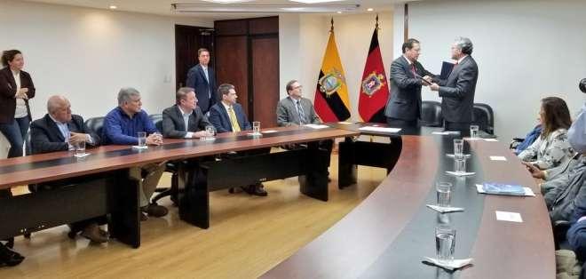 Municipio de la capital y Comisión Anticorrupción firmaron un acuerdo tras filtración. Foto: Twitter Bernardo Abad