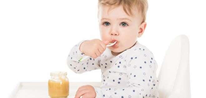 Algunos productos dirigidos a bebés tienen tanta azúcar como las golosinas y se les presenta como saludables.