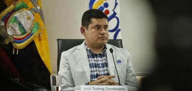 ECUADOR.- Cuatro causales llevarían al titular del CPCCS a juicio político, con 57 firmas de respaldo. Foto: API