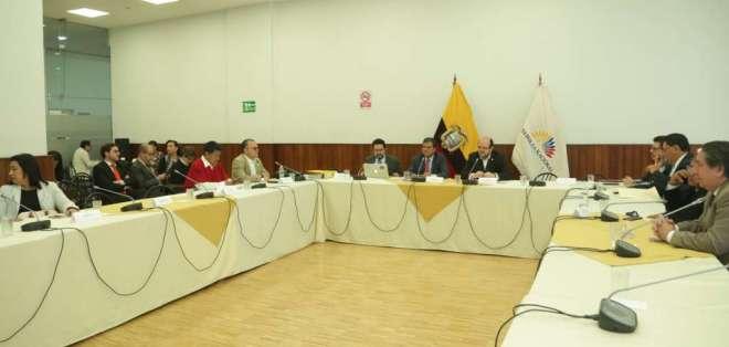 La comisión recibió aportes de la Federación Médica Ecuatoriana. Foto: Archivo