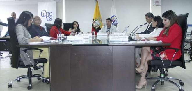 La mañana del jueves se presentaron varias denuncias por desacato contra los funcionarios. Foto: Flickr CPCCS