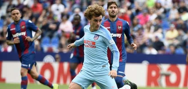 El delantero francés no se presentó al regreso a los entrenamientos del Atlético Madrid. Foto: JOSE JORDAN / AFP