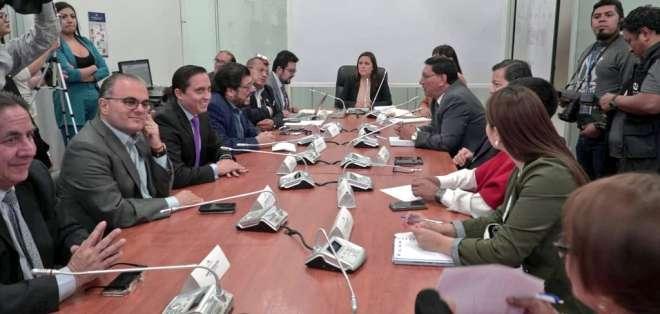 Documento menciona a asambleístas Soledad Buendía Doris Soliz. Foto: Comisión Fiscalización