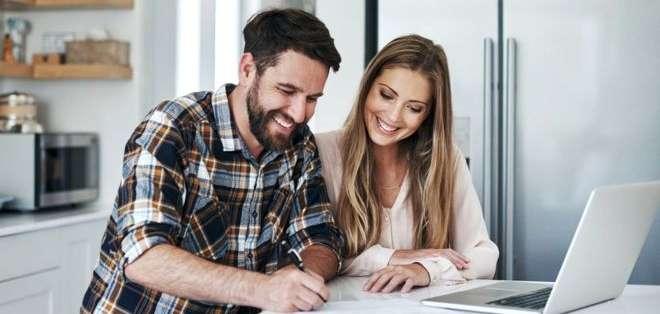 La regla 80/20 es una estrategia para ayudarte a ahorrar y ordenar de manera simple tus finanzas. GETTY IMAGES