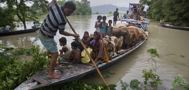 El monzón provoca 270 muertos en el sur de Asia. Foto: AP