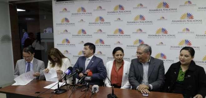 """QUITO, Ecuador.- La autodenominada """"mayoría"""" dice no sentirse representada por Héctor Yépez y Wilma Andrade. Foto: API"""