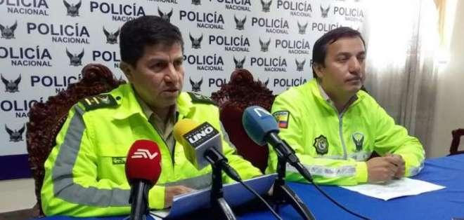 4 extranjeros detenidos por extorsión en Carchi. Foto: Twitter