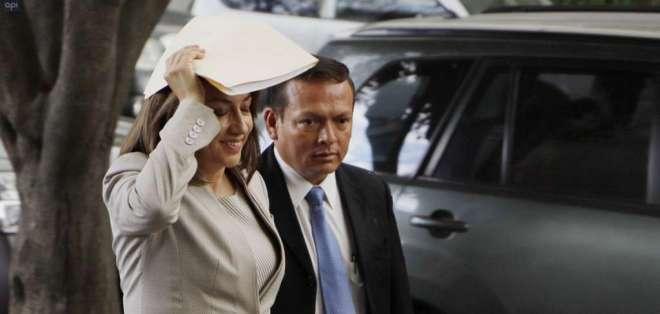 Asambleísta y su esposo rindieron versión sobre pagos de contratistas del Estado. Foto: API
