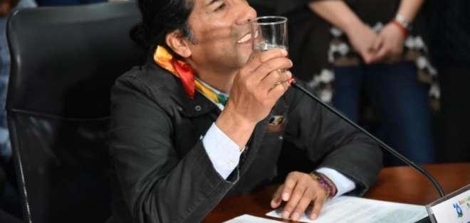 """AZUAY.- El prefecto Yaku Pérez Guartambel señaló que la mayoría """"quiere el oro y no el agua"""" en la provincia. Foto: Twitter"""