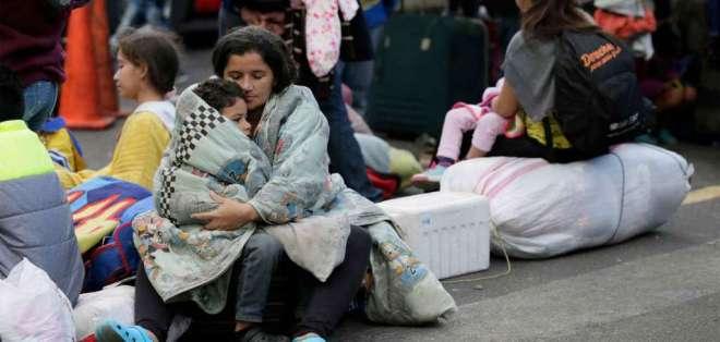 Al menos 200 mil venezolanos deben legalizar su estatus en Ecuador. Foto: AP - Referencial