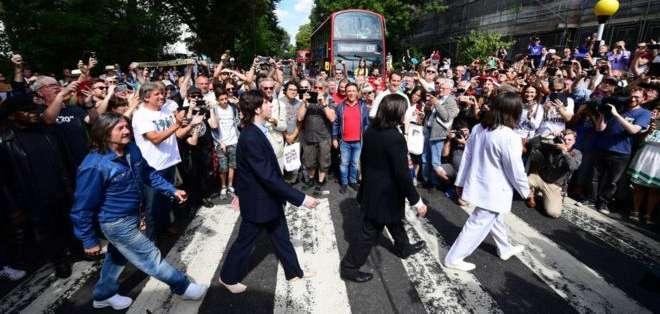 El cuarteto de Liverpool cruzó Abbey Road el 8 de agosto de 1969. Foto: Getty