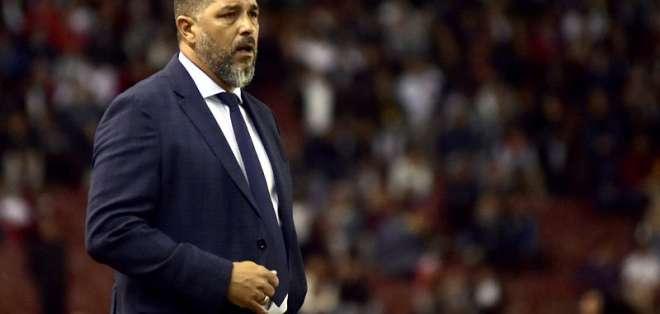 """El entrenador de Barcelona aseguró que """"no fueron prácticos"""" ante los 'albos'. Foto: API"""