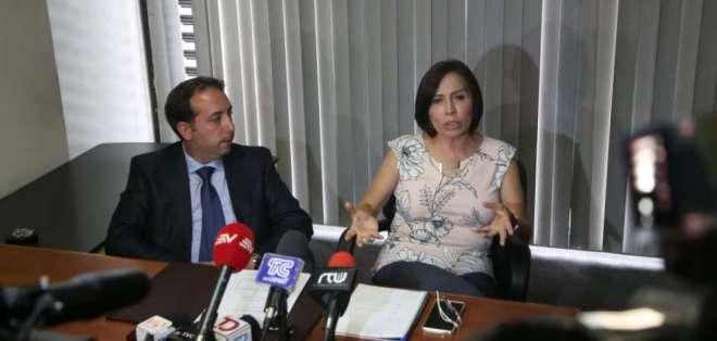 QUITO, Ecuador.- La exfuncionaria calificó las acusaciones como maliciosas y no descartó acciones. Foto: API