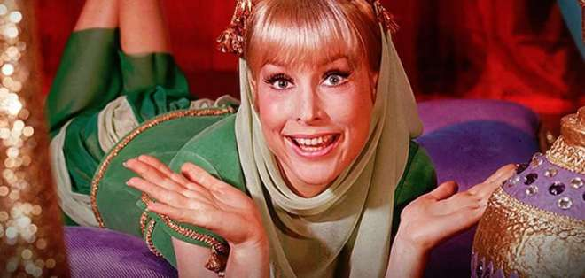 Barbara Eden también trabajó en un episodio con Lucille Ball en 'I Love Lucy'.