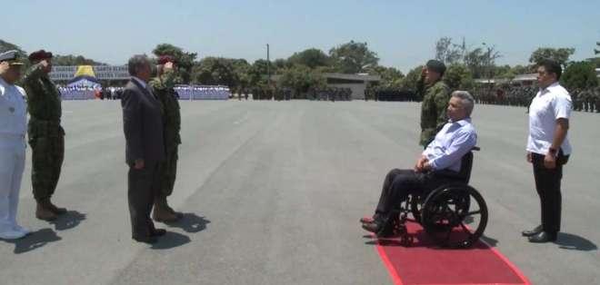 Moreno visitó el Fuerte Militar Huancavilca, en Guayaquil. Foto: Captura