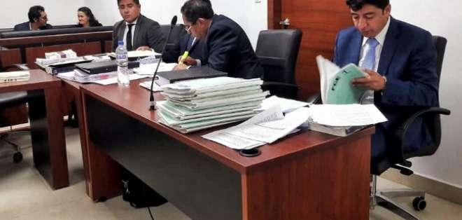 La jueza dispuso que se mantengan las medidas cautelares en contra de todos. Foto: Fiscalía