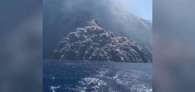 Se produjo el estallido que casi los envuelve en una nube de cenizas y humo tóxico.