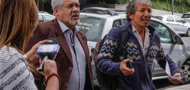 Versiones Caso sobornos, en las afueras de la Fiscalía General. Dr Luiz Muñoz abogado de Pamela Martinez. Foto: API