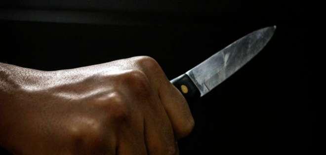 La víctima habría recibido cinco heridas profundas con un arma blanca. Foto: Fiscalía
