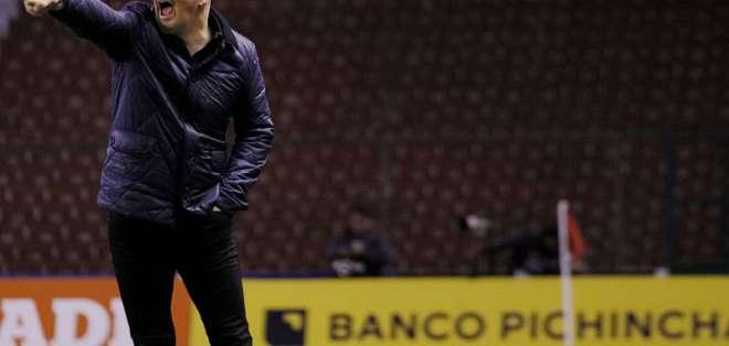 El entrenador de Liga de Quito comparó al 'toño' con el 'pelusa'. Foto: API