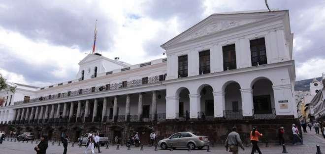 La Corte Constitucional (CC) aclaró que el Estado y sus instituciones no tienen derecho a la honra. Foto: API