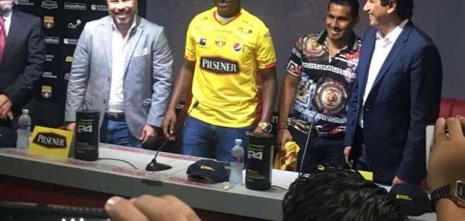 El club ecuatoriano hizo el anuncio en su cuenta Twitter y realizó una rueda de prensa. Foto: Luigi Marchelle/Ecuavisa