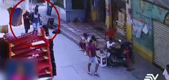 Los ladrones habían cruzado el canal internacional entre Ecuador y Perú. Foto: Captura