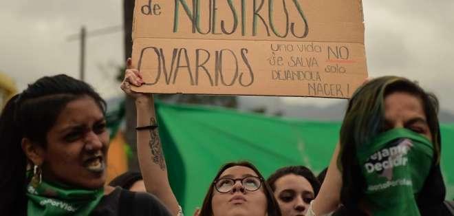 Asamblea vota en contra de la despenalización del aborto. Foto: AFP