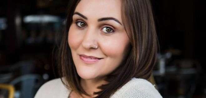 La fotógrafa Sarah Midgley, de 37 años y madre de dos hijas, fue violada hace casi una década por su exnovio.