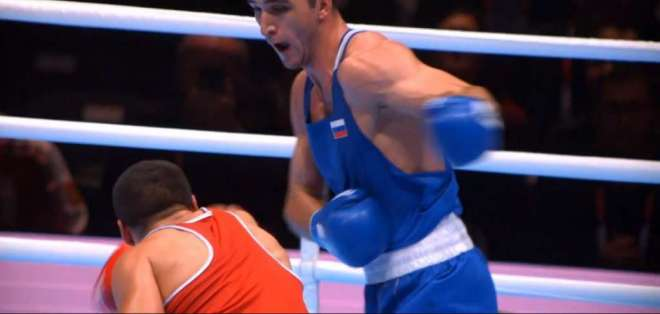 Muslim Gadzhimagomedov en plena pelea.
