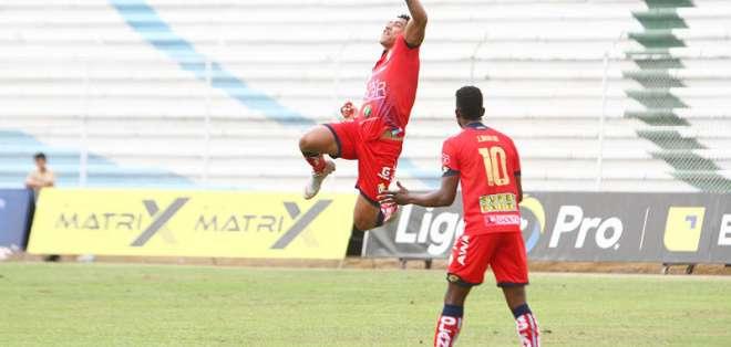 Los 'puros criollos' vencieron 4-0 a Fuerza Amarilla en condición de visitante. Foto: API