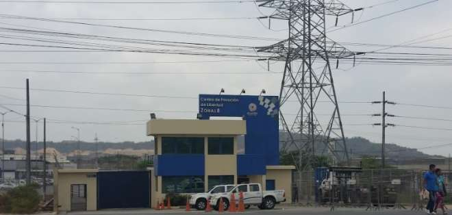 GUAYAQUIL, Ecuador.- Autoridades investigan el deceso de un interno, en el pabellón de mínima seguridad. Foto: Archivo