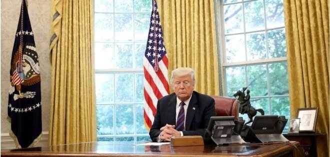 El 27 de agosto de 2018, Donald Trump habló con su entonces homólogo mexicano Enrique Peña Nieto desde el Despacho Oval.