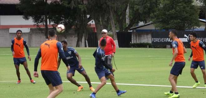 Práctica de Liga en Pomasqui. Foto: Twitter Hernán Pellerano.