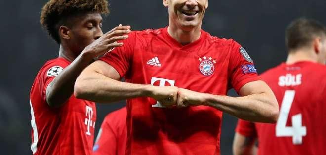 Lewandowski celebra uno de los goles. Foto: Twitter Bayern Munich.