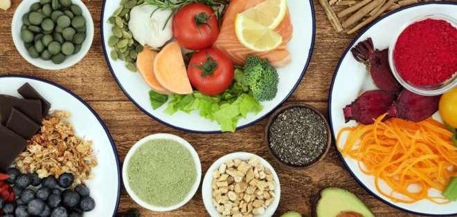 Consumir alimentos sanos no solo te hará perder peso, sino también sentirte mejor.