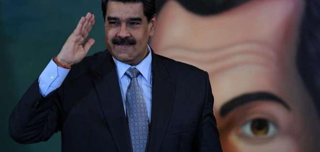 """El presidente de Venezuela aseguró que """"con sus bigotes tumba gobiernos"""". Foto: YURI CORTEZ / AFP"""