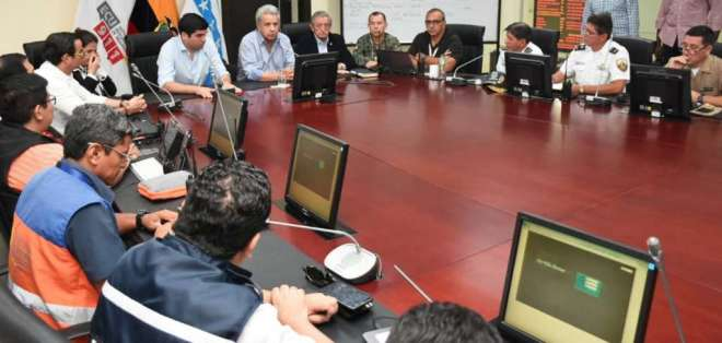 Romo y Jarrín acompañan al presidente Moreno a Quito.