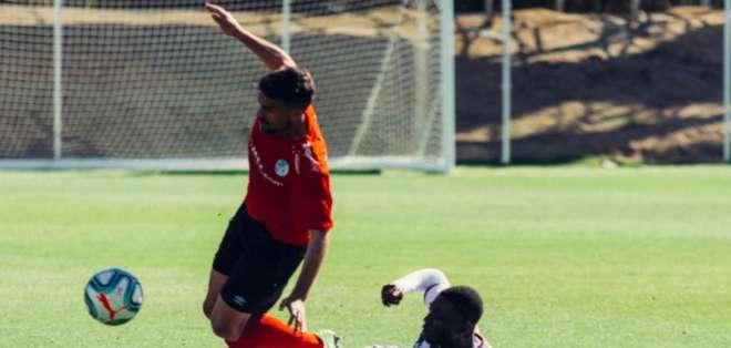 El atacante ecuatoriano jugó el segundo tiempo en el triunfo 3-2 sobre Salamanca. Foto: Tomada de @realvalladolid