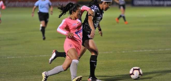 Partido de este lunes entre Club Ñañas y Corinthians. Foto: Twitter Libertadores Femenina.
