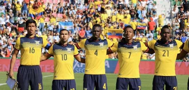 Jugadores tricolores en el último amistoso. Foto: Twitter FEF.