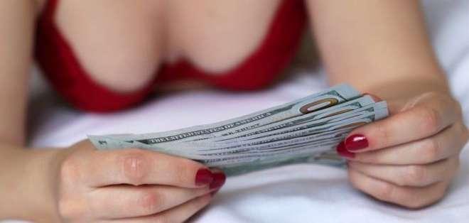 En los sitios de camming, los usuarios compran créditos para acceder a distintos tipos de chats.