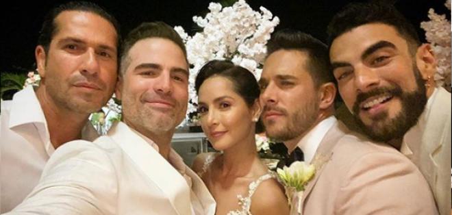 elenco de 'Sin senos si hay paraíso' en la boda