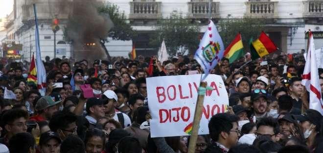 El presidente boliviano también reprochó las protestas violentas de opositores desde el lunes. Foto: AFP